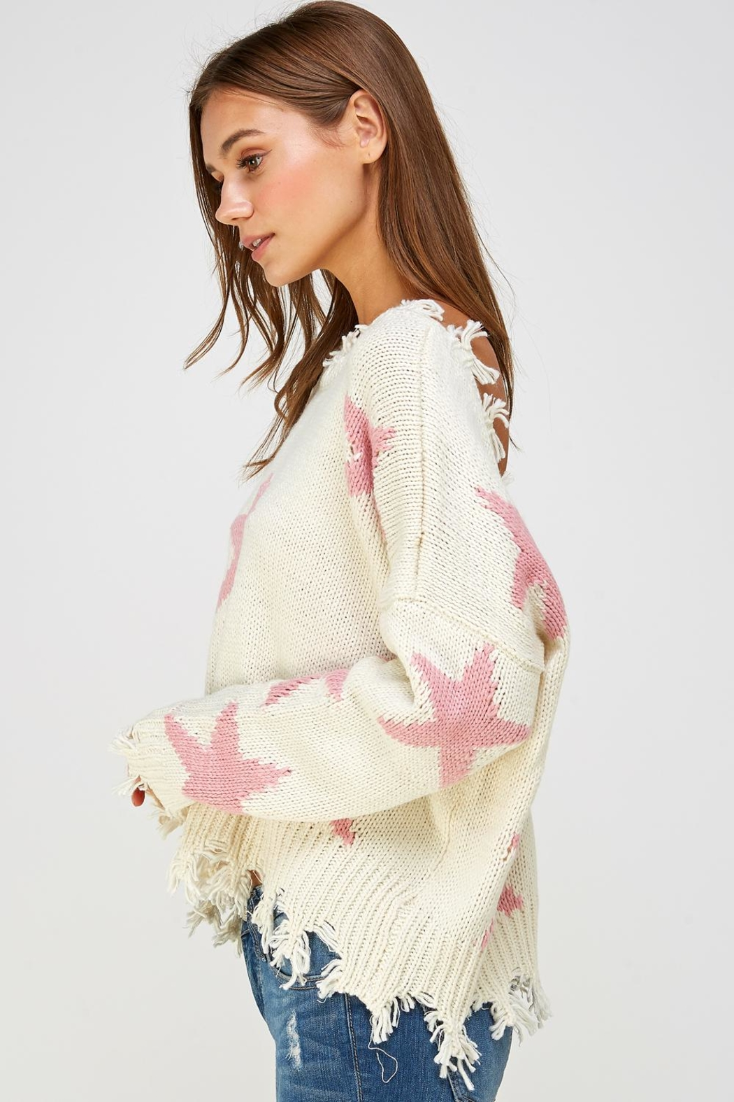 storia Distressed Star Sweater - Side Cropped Image