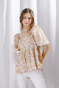 storia Floral Top - Product List Image
