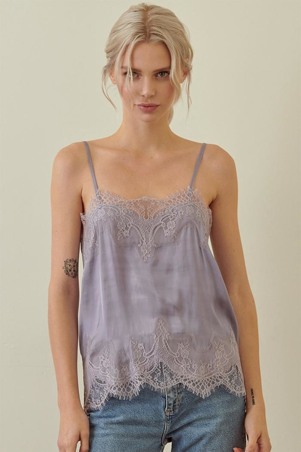 storia Lace Cami Top - Front Cropped Image