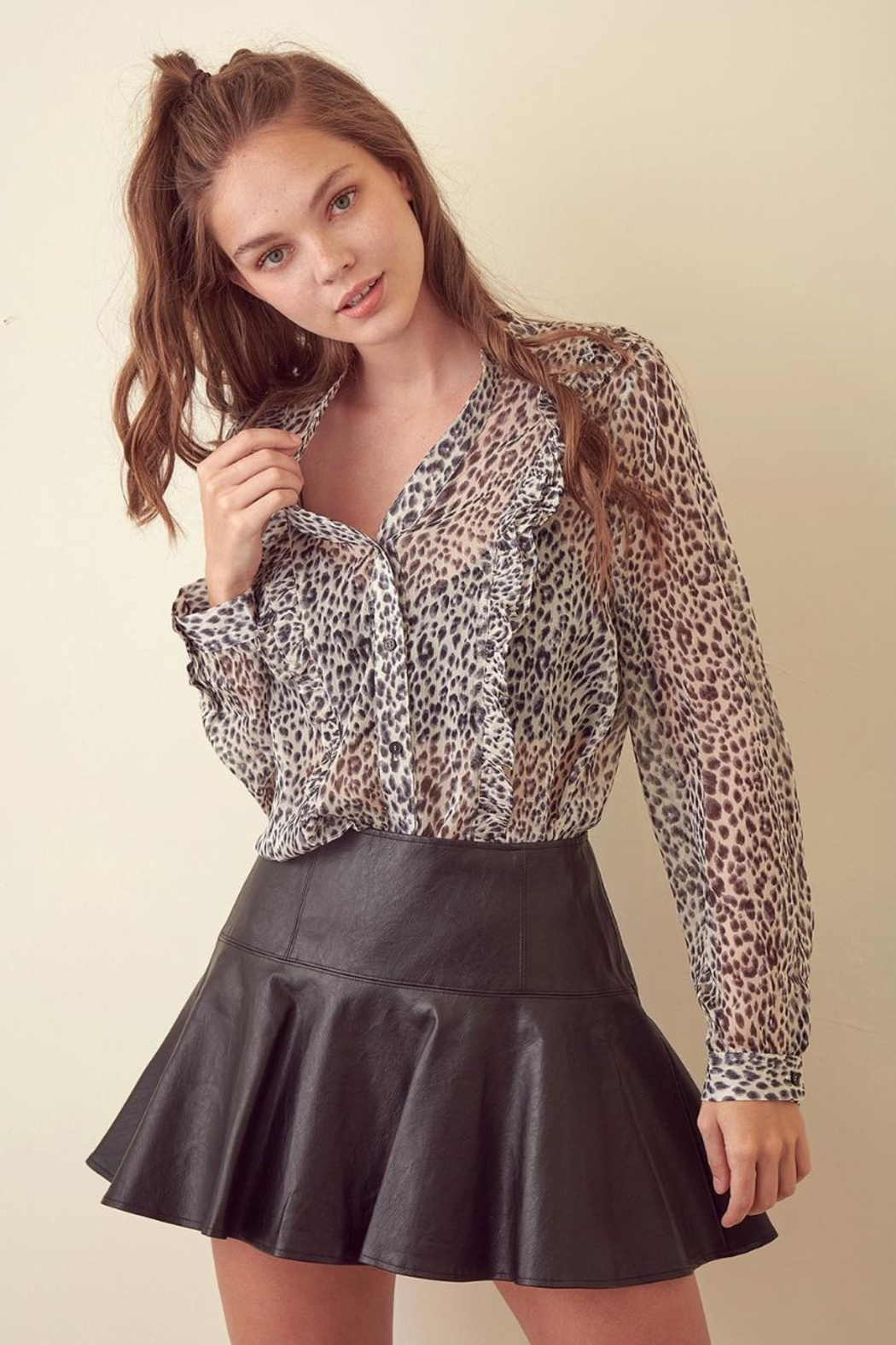 storia Leopard Long-Sleeve Top - Side Cropped Image