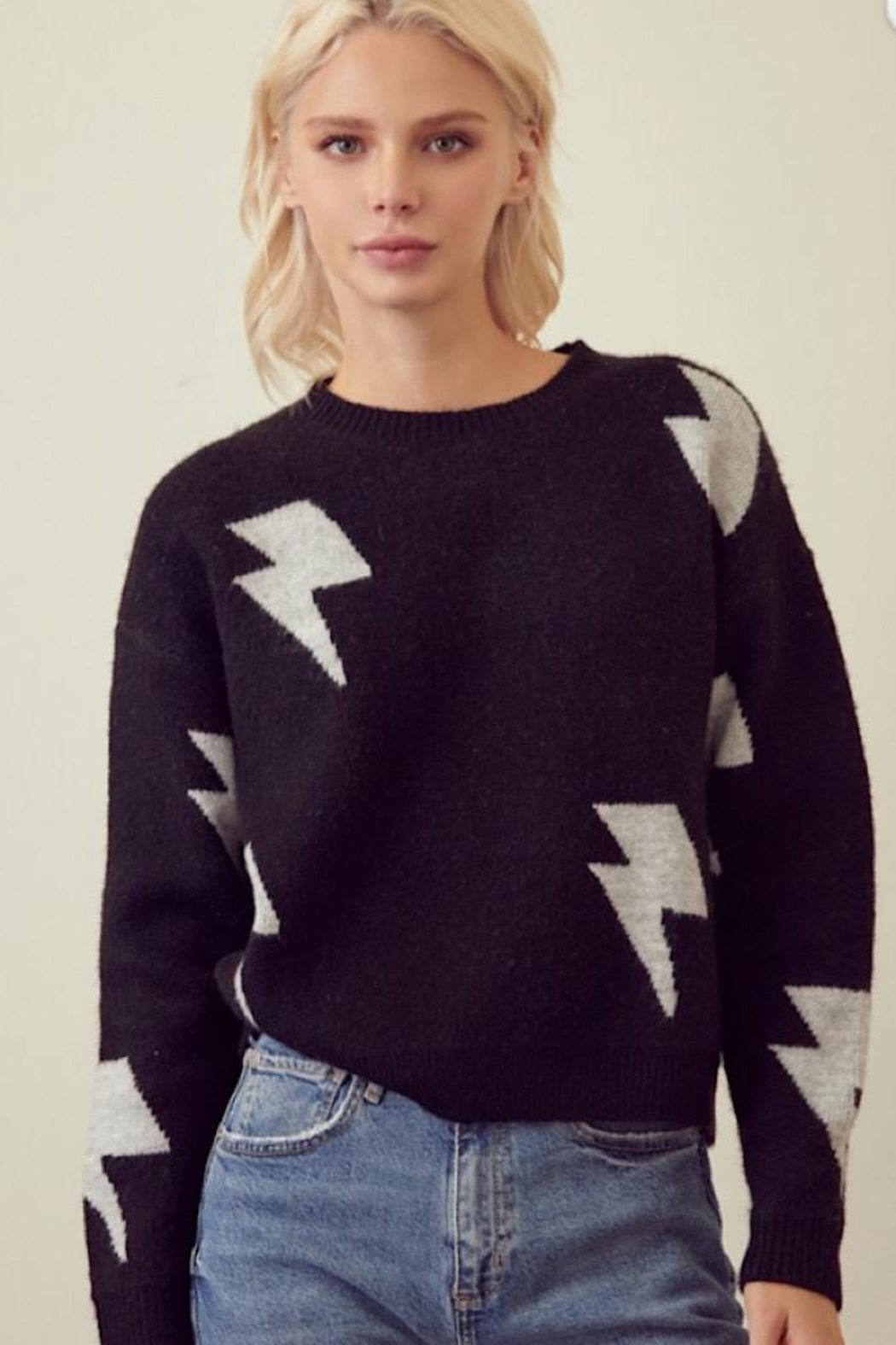 storia Light Me Up Sweater - Front Cropped Image