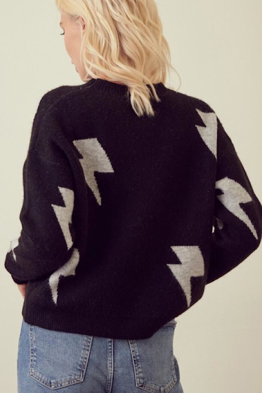 storia Lightning Bolt Sweater - Side Cropped Image