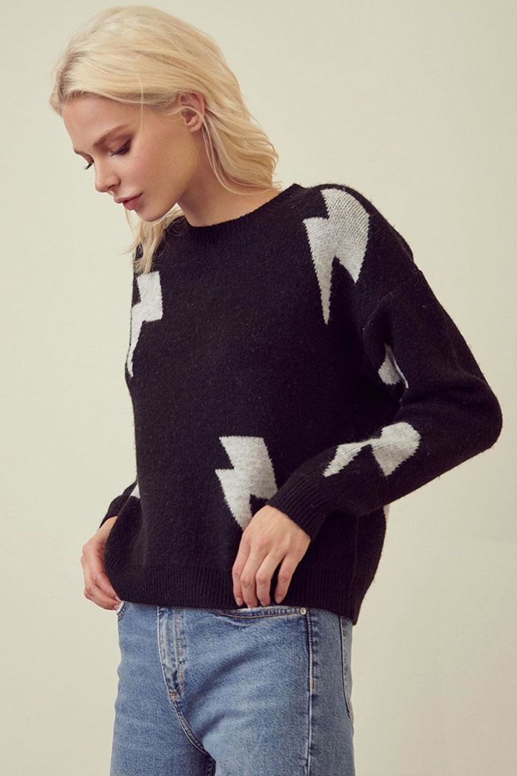 storia Lightning Print Sweater - Side Cropped Image