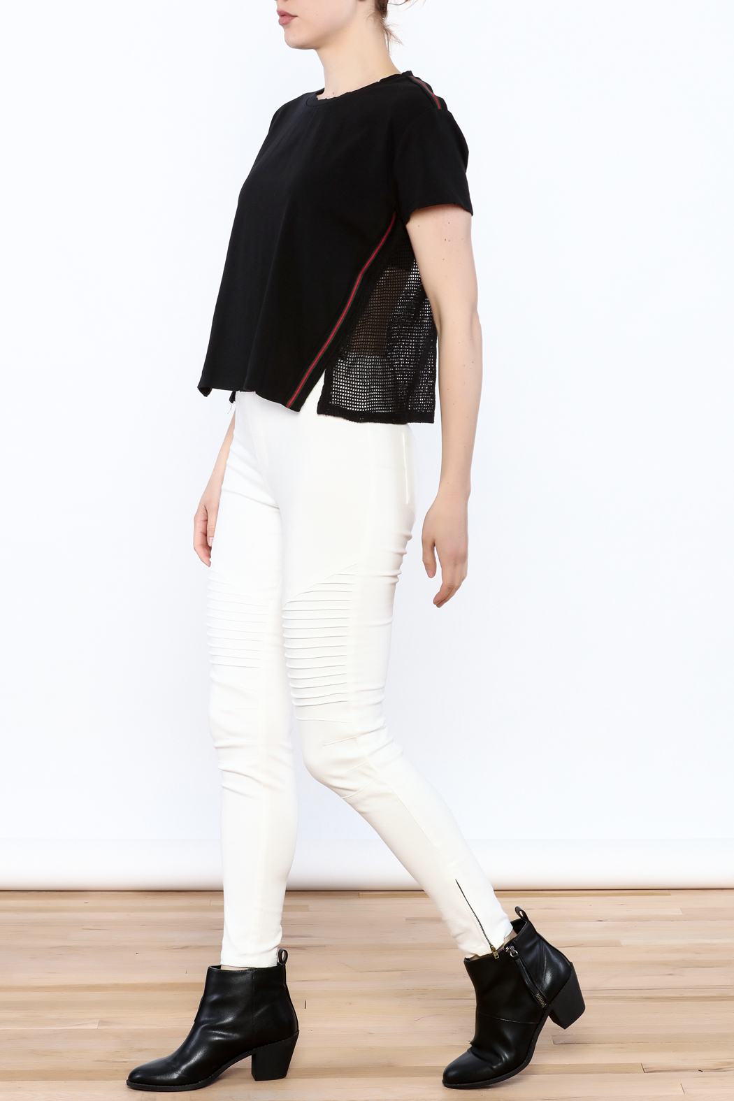 storia Mesh Back Top - Side Cropped Image