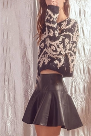 storia Shaggy-Design-Print Knit Sweater - Front full body