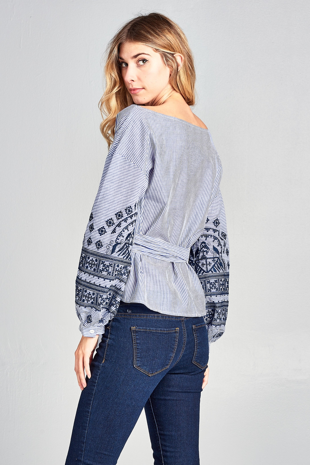 Racine Stripe Embroidered Top - Side Cropped Image