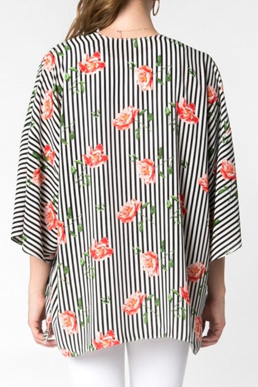 Everly Stripe Floral Kimono - Side Cropped Image