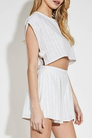 blue blush Striped Linen Short - Front cropped