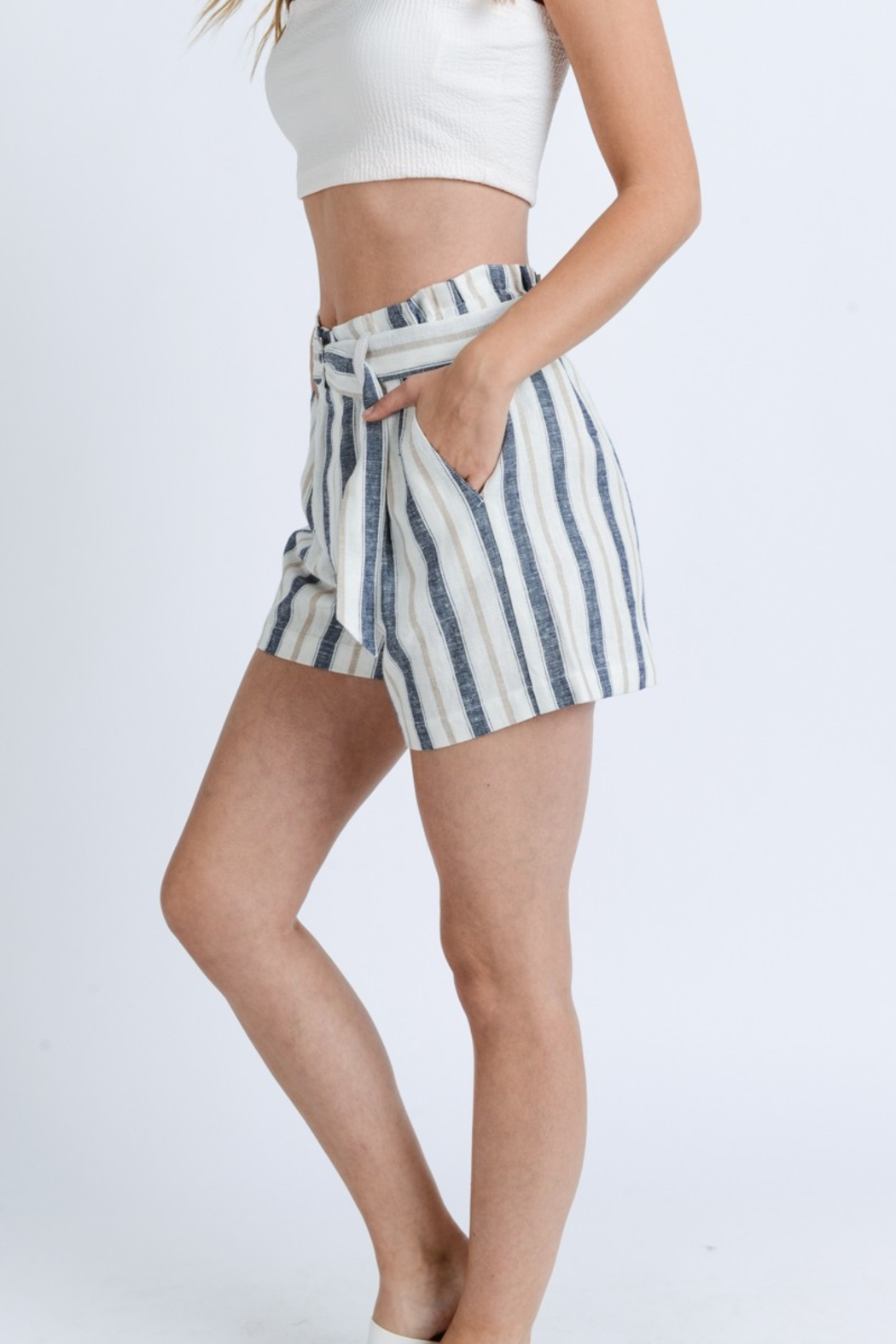 Love Tree Striped Paper Bag Shorts - Side Cropped Image