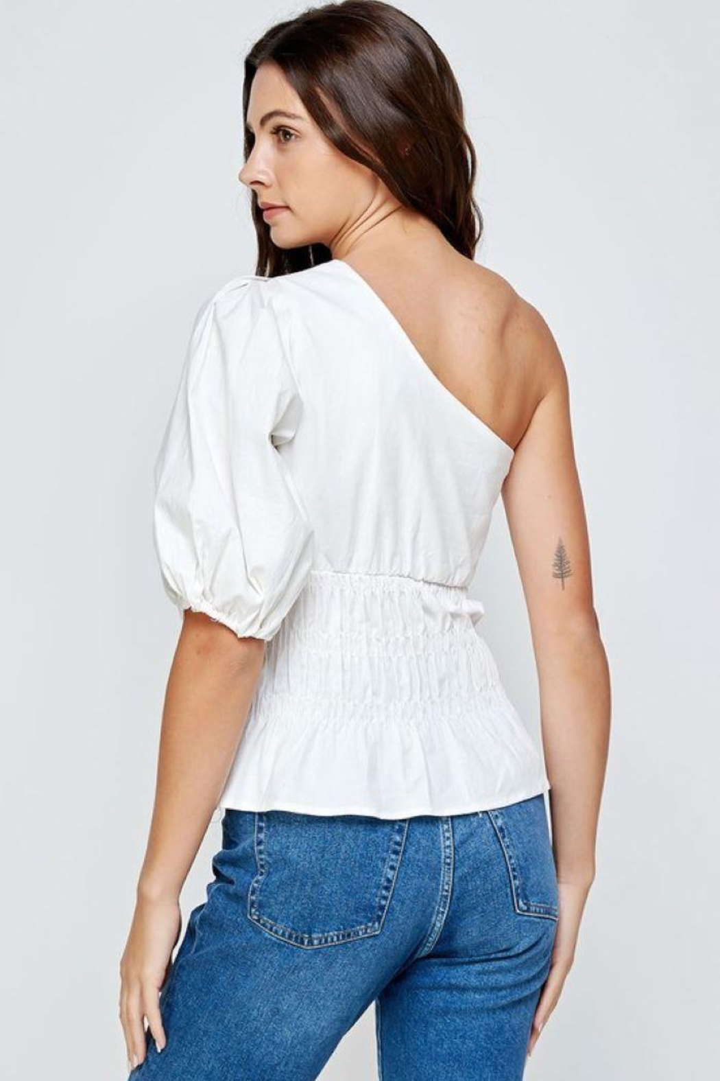 Strut & Bolt One-Shoulder Balloon Sleeve Linen Top - Side Cropped Image