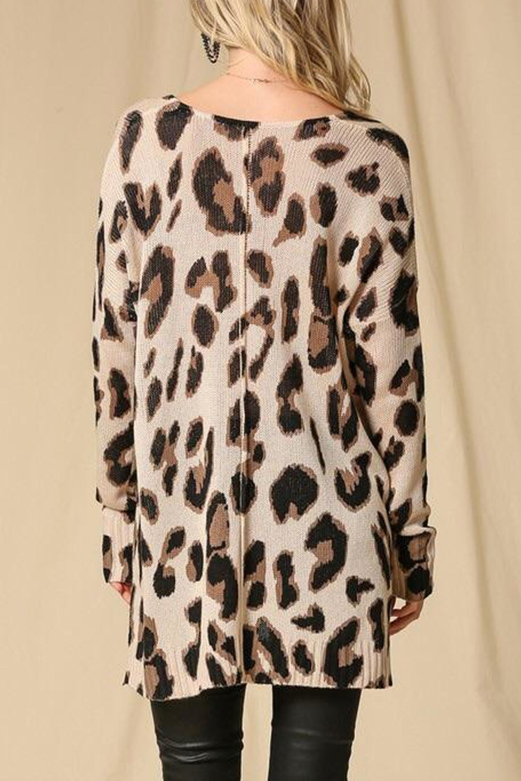 Style Trolley Lysette Leopard Sweater - Back Cropped Image