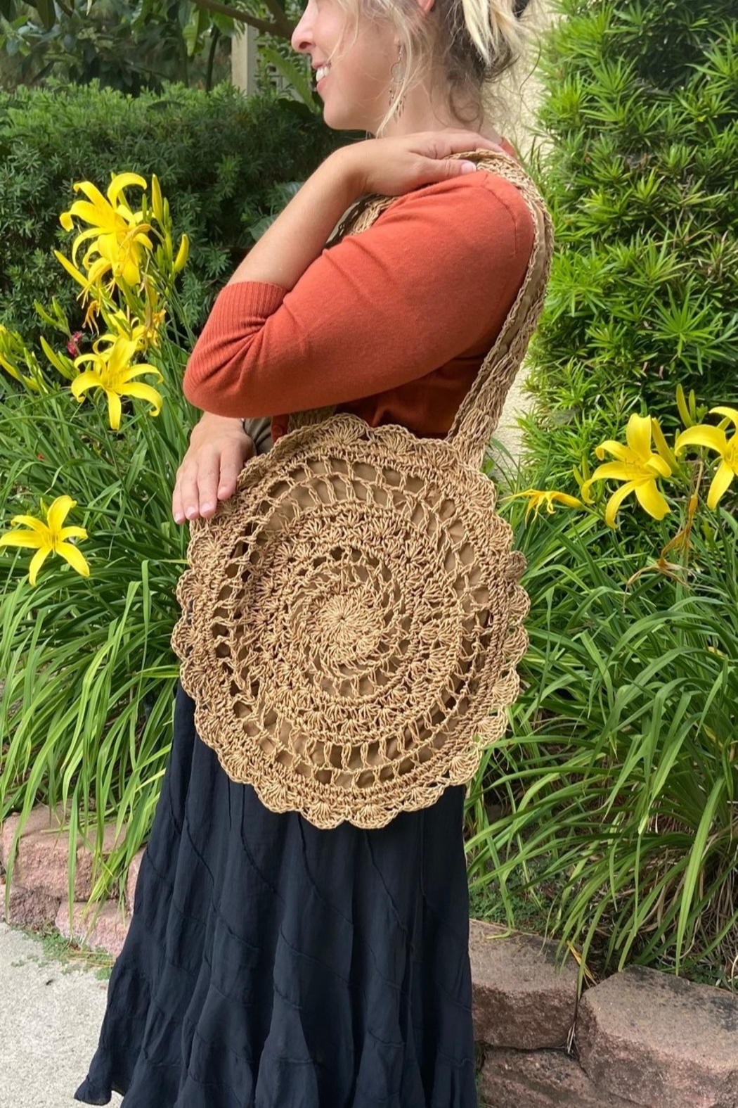 Tasha Apparel Summer Beach Tote - Front Cropped Image
