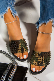 R+D  Summer Spike Slide - Front cropped