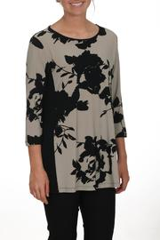 Sun Kim Floral Tunic - Front cropped