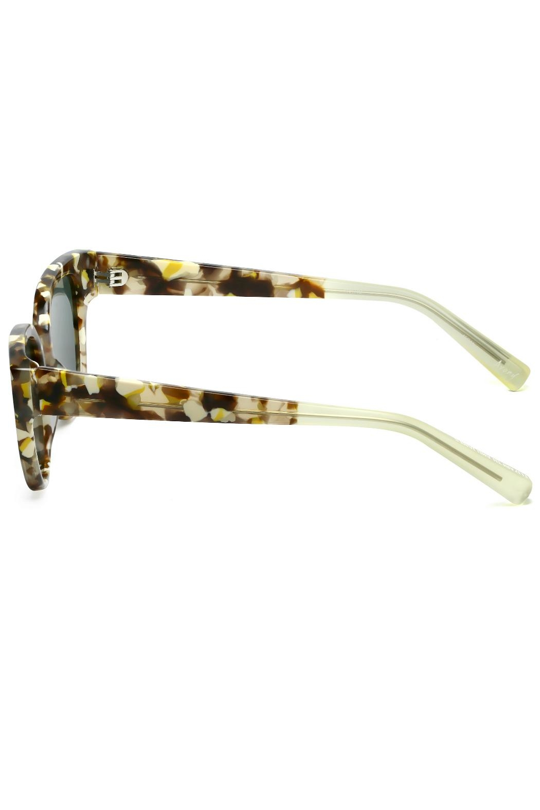 Elizabeth and james Sunglasses Avory Tortoise - Side Cropped Image