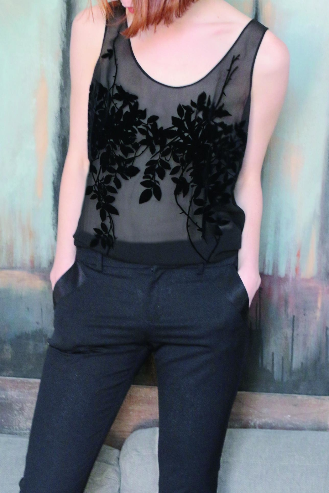 Suzanne Aux Yeux Noirs Silk Top - Side Cropped Image