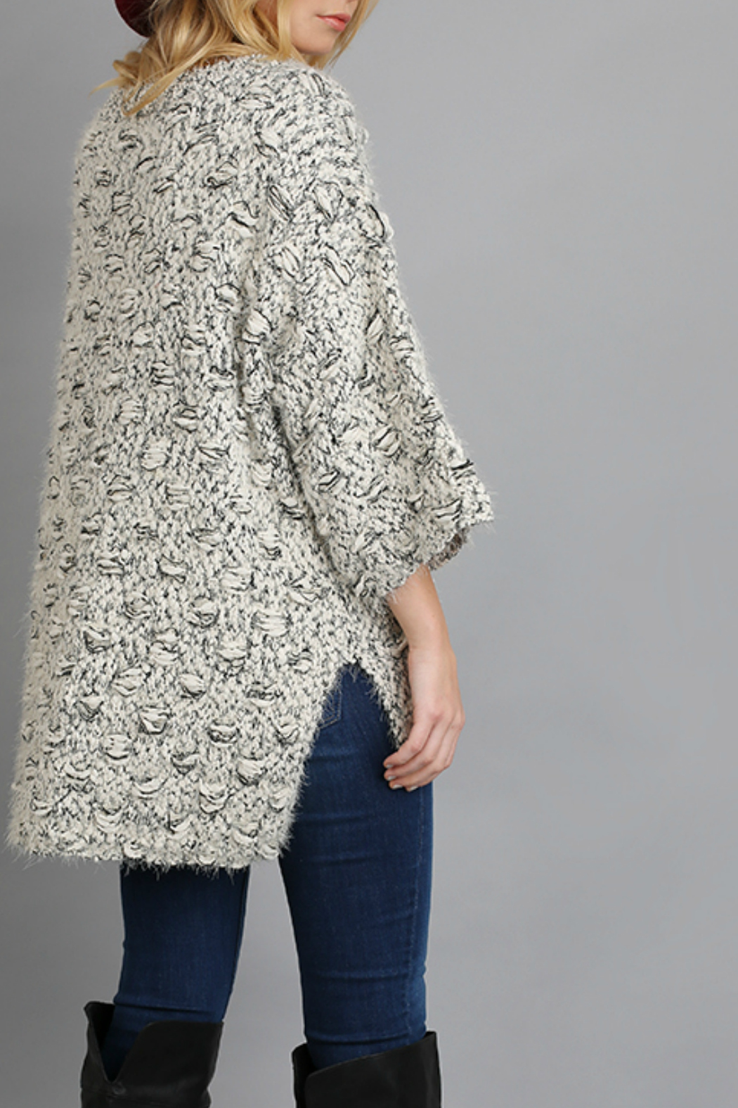 Umgee Sweater with high low hem line - Side Cropped Image