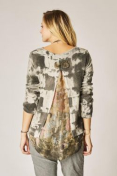 Look Mode Printed Sweater With Open Back - Alternate List Image