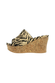 Pierre Dumas Sweep-5 Wedge - Front cropped