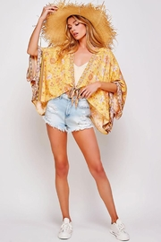Sweet Generis Open Floral Print Kimono With Tie - Back cropped