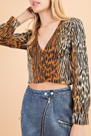 Le Lis Tabby Print Blouse - Front cropped