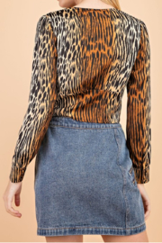 Le Lis Tabby Print Blouse - Side cropped