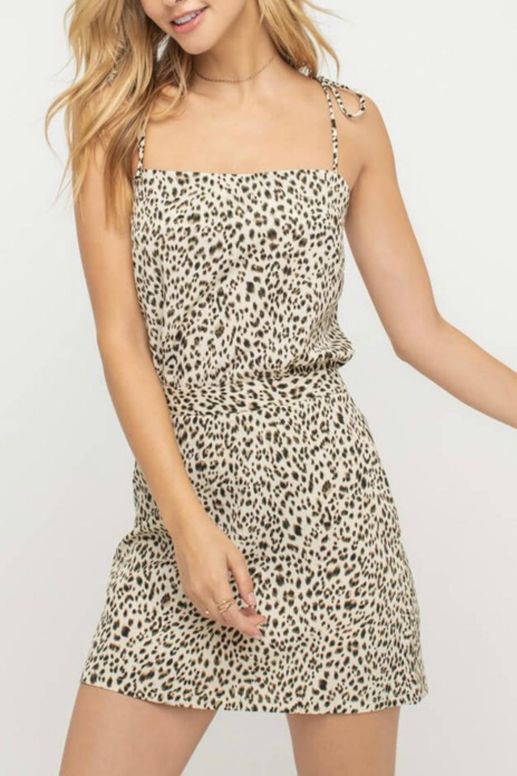 Pretty Little Things Tailored Leopard Skirt - Side Cropped Image