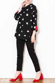 Talk of the Walk Geometric Cowl Top - Side cropped