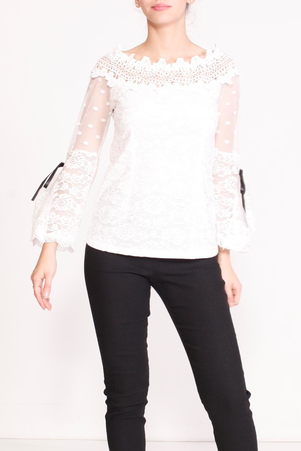 Talk of the Walk Floral Lace Blouse - Side Cropped Image