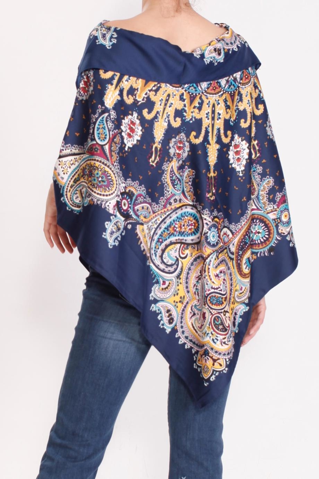 Talk of the Walk Paisley Scarf Poncho - Back Cropped Image