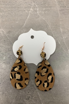 0-105 Tan Lep Earrings - Alternate List Image
