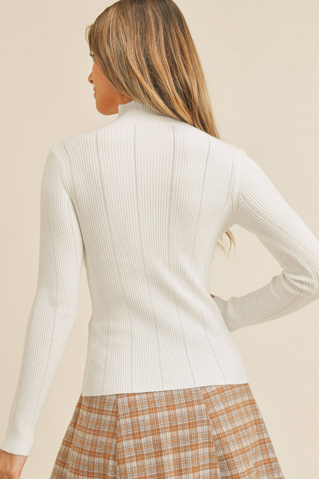 Paper Crane Tanya Pointed Ribbed Sweater - Back Cropped Image