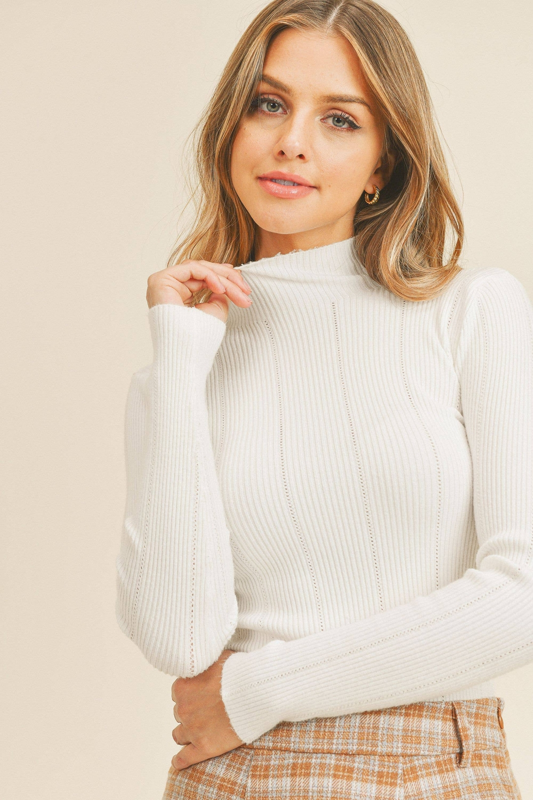 Paper Crane Tanya Pointed Ribbed Sweater - Side Cropped Image