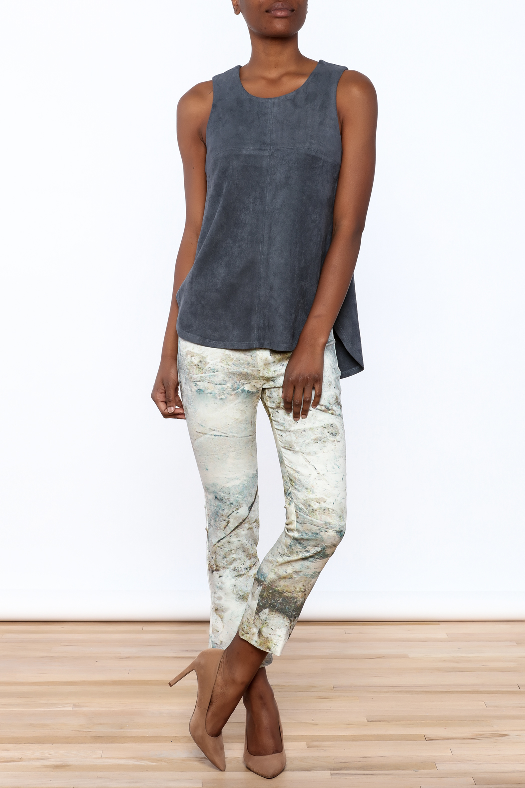 Tart Collections Grey Sleeveless Top - Front Full Image