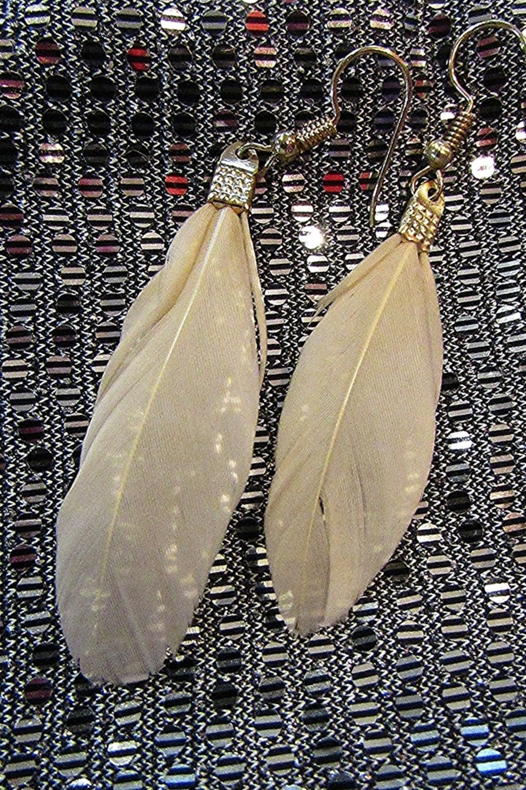 KIMBALS TASSEL FEATHER NECKLACE - Front Full Image