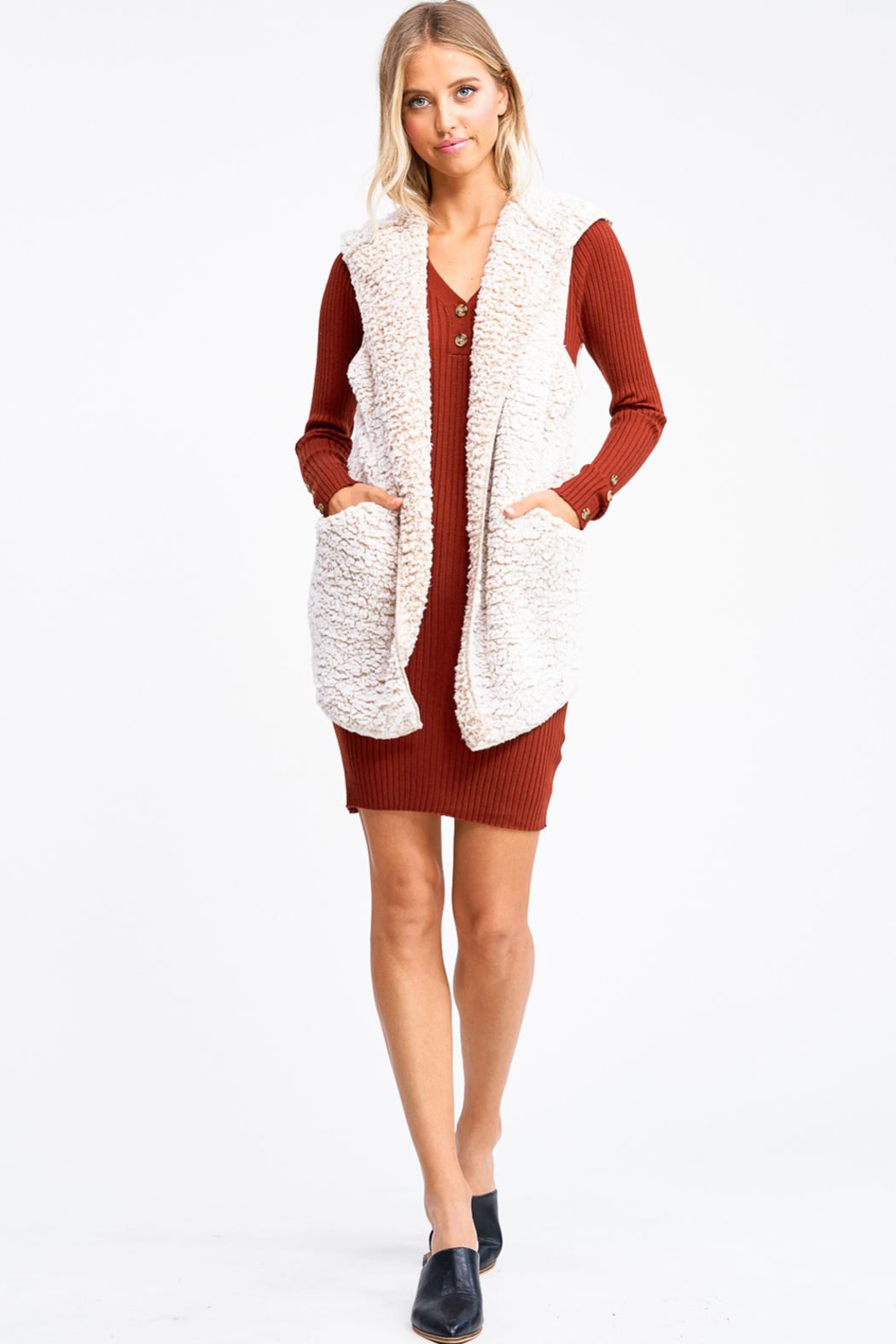 MONTREZ Taupe sherpa fleece cardigan vest - Side Cropped Image