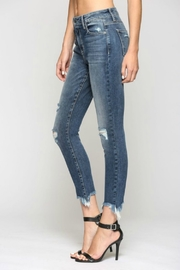 Hidden Jeans Taylor H/R with Fray Hem - Side cropped