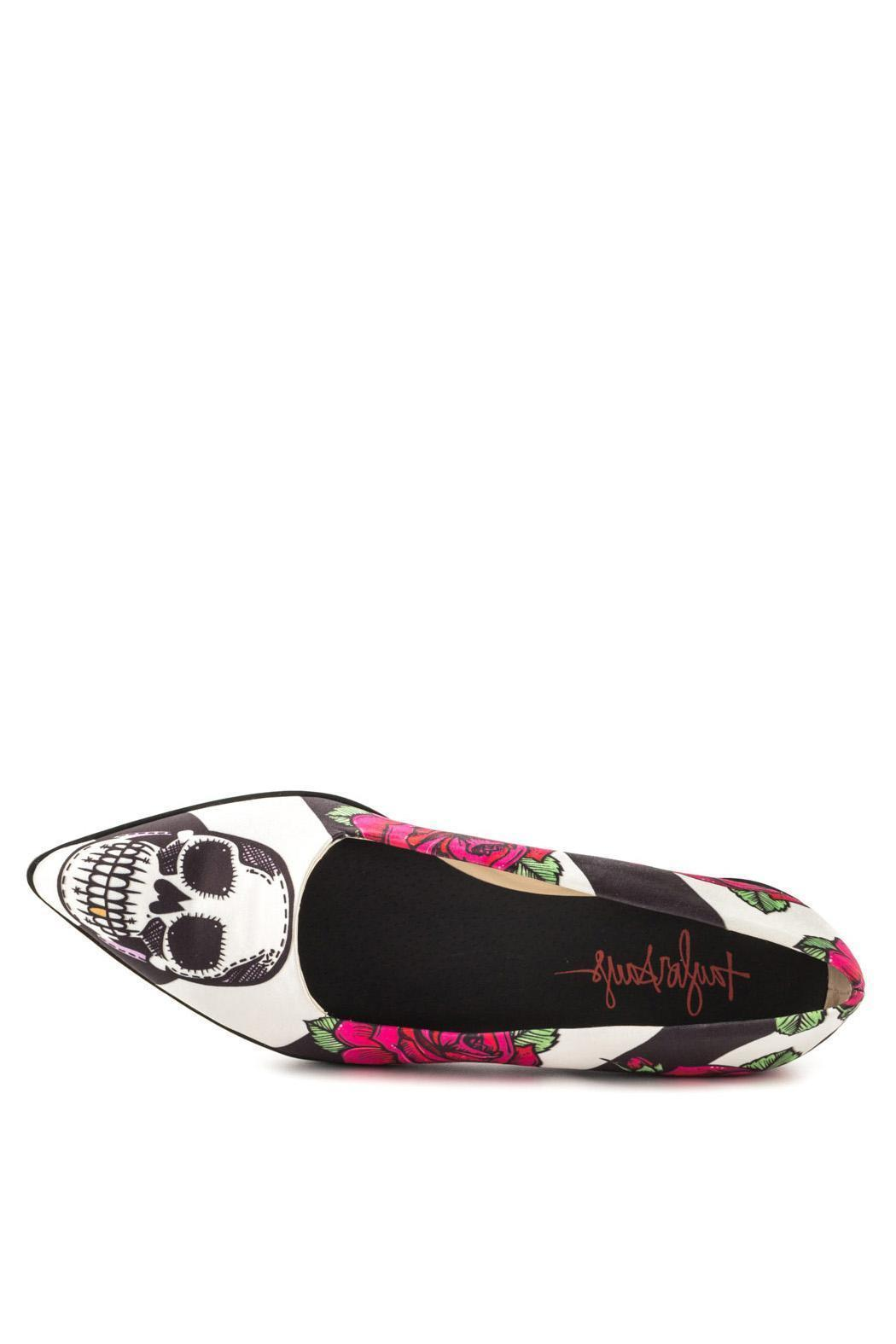 TaylorSays Tayquilas Slip On - Back Cropped Image