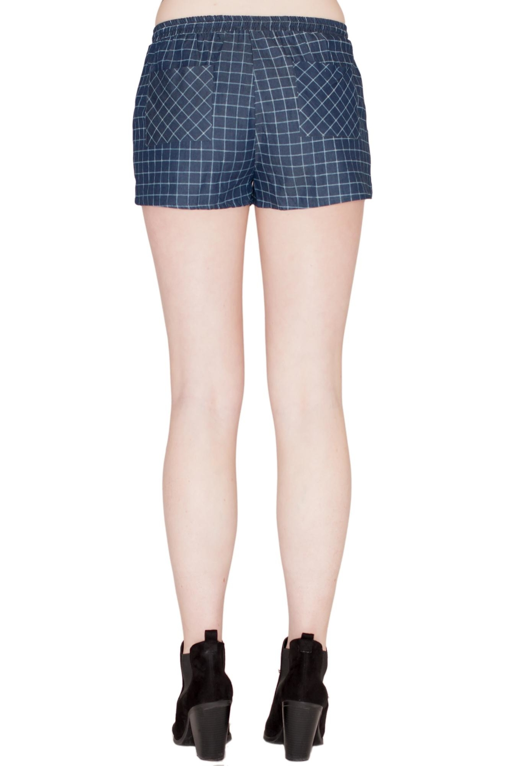 TCEC Checkered Shorts - Side Cropped Image