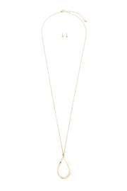 Riah Fashion Teardrop Pendant Necklace - Front cropped