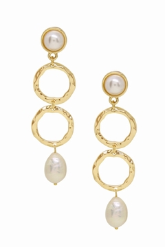 Ettika Textured Pearl Drop Earrings in Gold. 18kt Gold Plating. - Alternate List Image