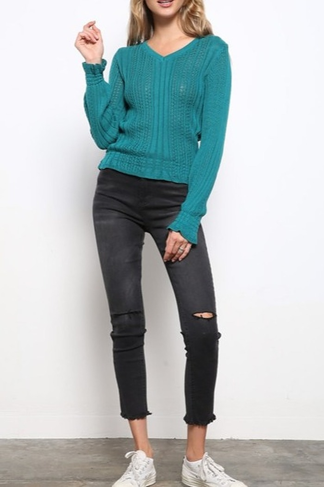 Mittoshop TEXTURED V-NECK CROP SWEATER - Back Cropped Image