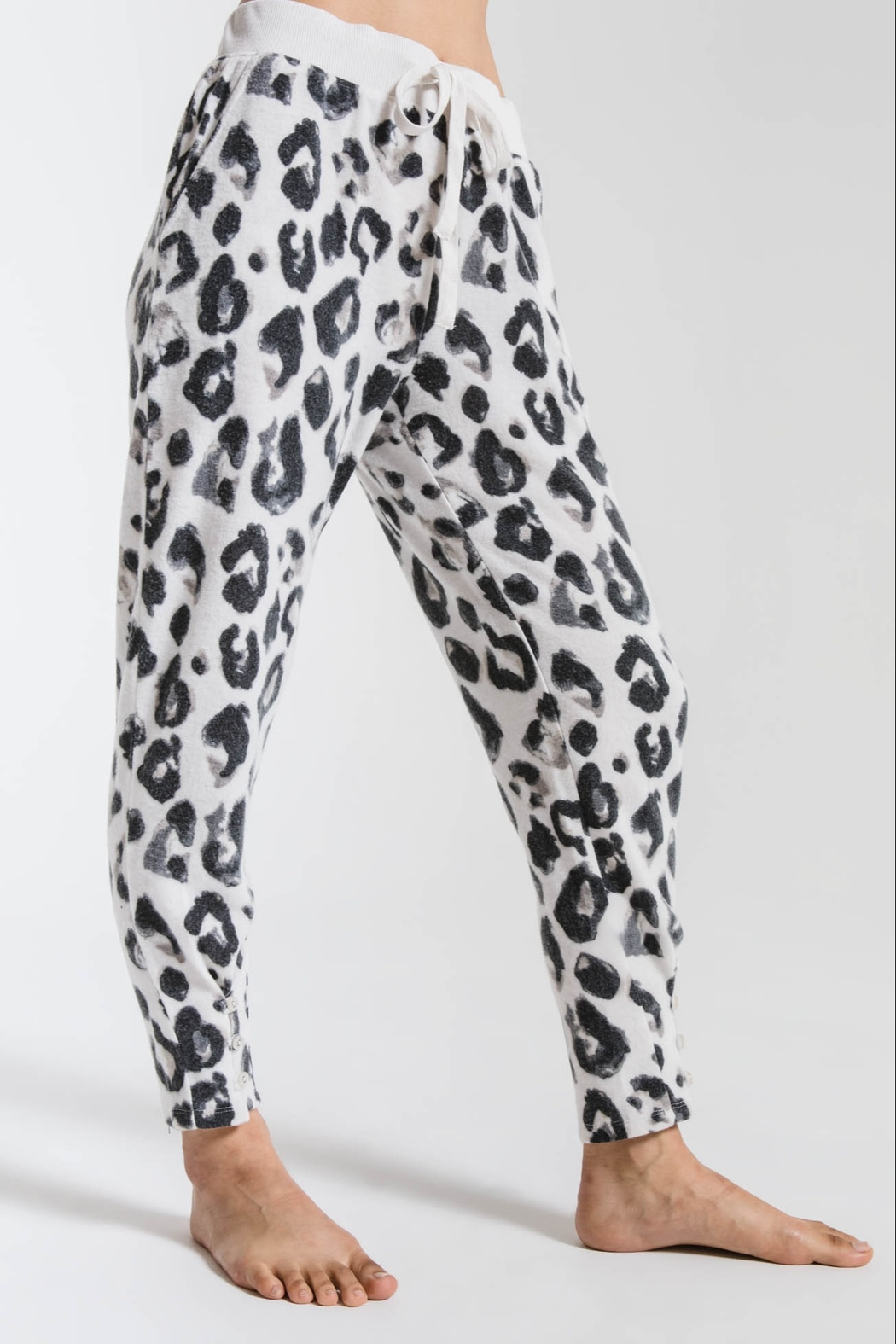 z supply The Amur Leopard Pant - Side Cropped Image