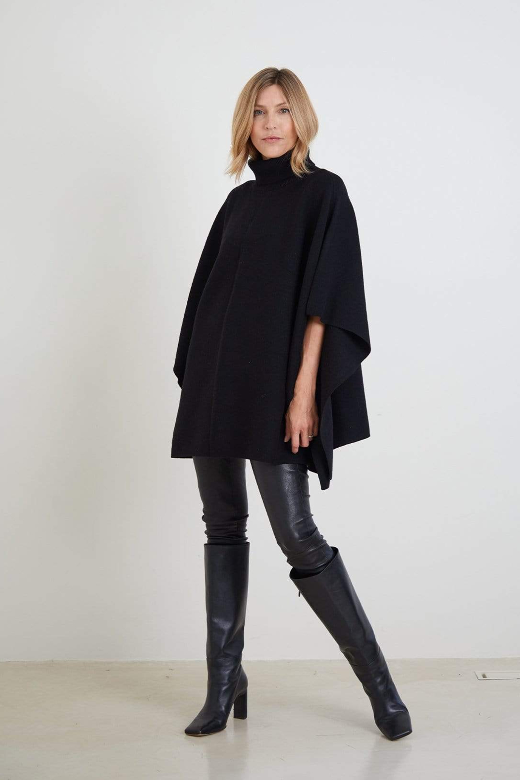 Mer Sea The Anywear Poncho - Front Full Image