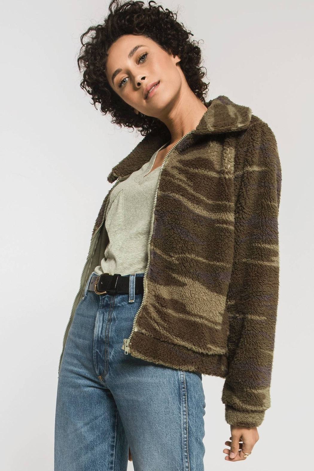 z supply The Camo Sherpa Crop Jacket - Side Cropped Image