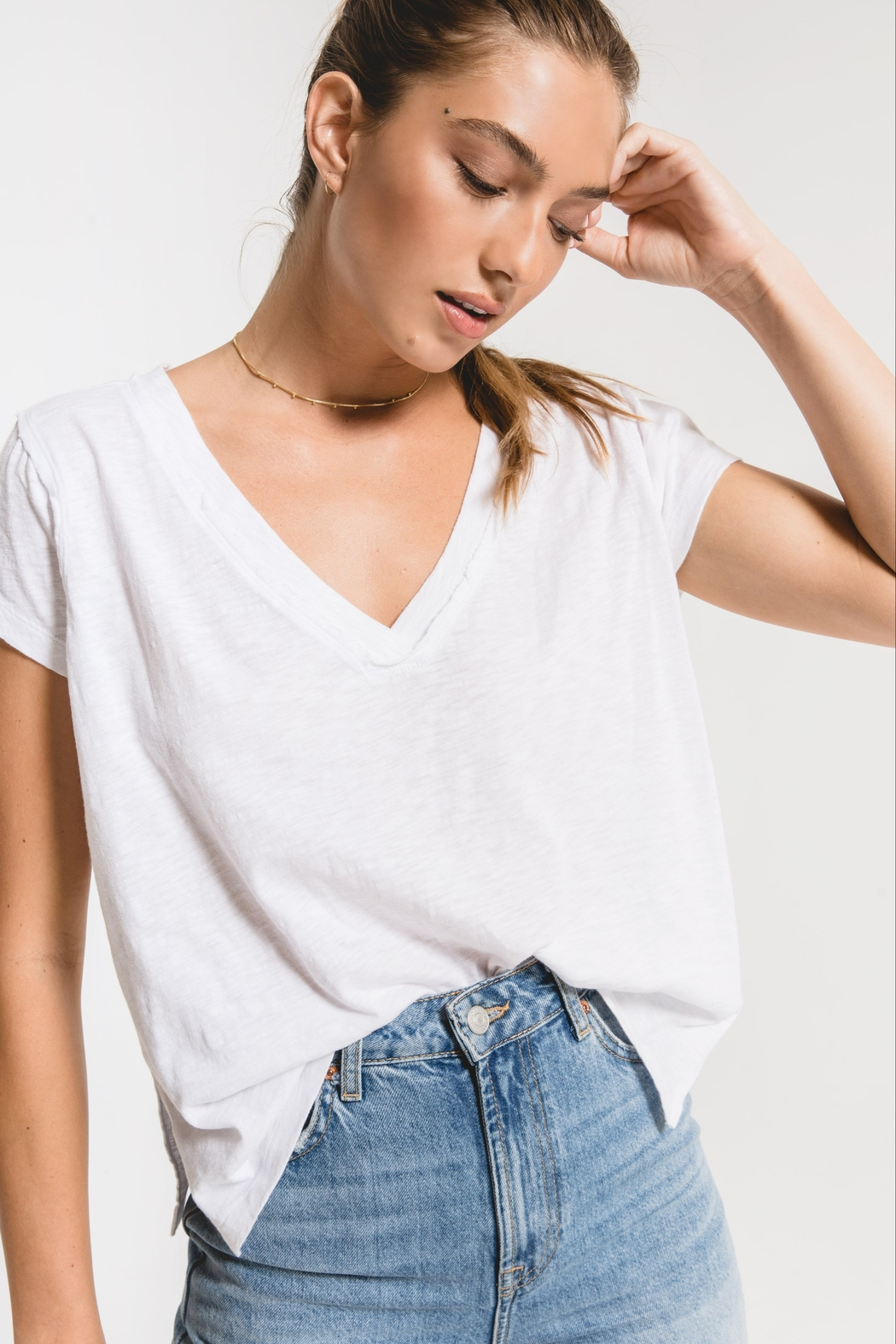 z supply The Cotton Slub Easy VNeck Tee - Front Cropped Image