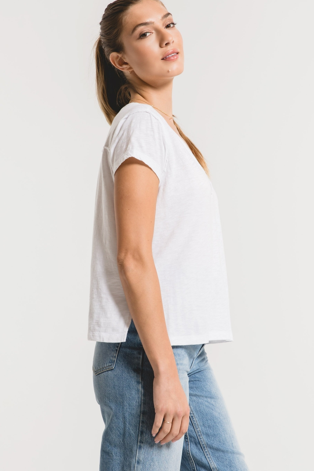 z supply The Cotton Slub Easy VNeck Tee - Side Cropped Image