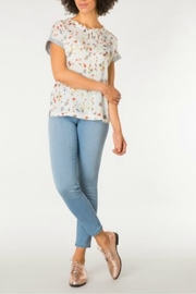 Yest The Flower Tee - Product Mini Image