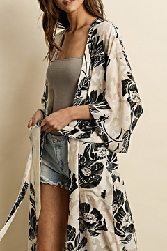 dress forum The Gretchen Kimono - Alternate List Image