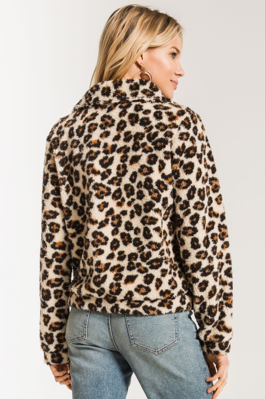 Zsupply The Leopard Sherpa Crop Jacket - Back Cropped Image